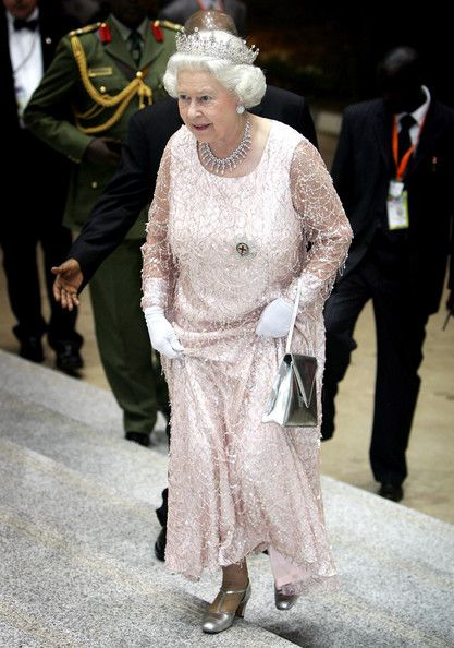 Queen Elizabeth II Photo - Royal Trip: Commonwealth Heads Of Government Meeting: Uganda - Day 2