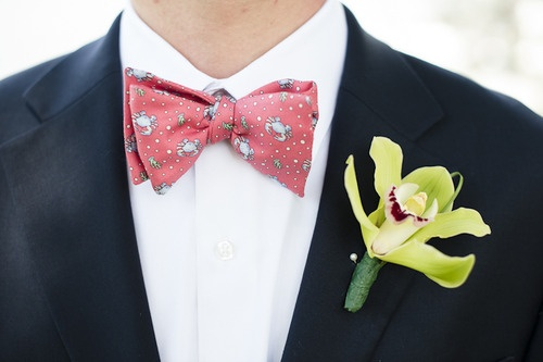 What do you think of a seasonal Vineyard Vines bow tie? #AvalonConcierge