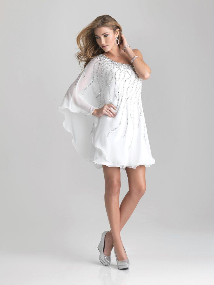 Flowy white short dress