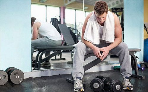 Greseli la sala de fitness. Ce NU trebuie sa faci la antrenament
