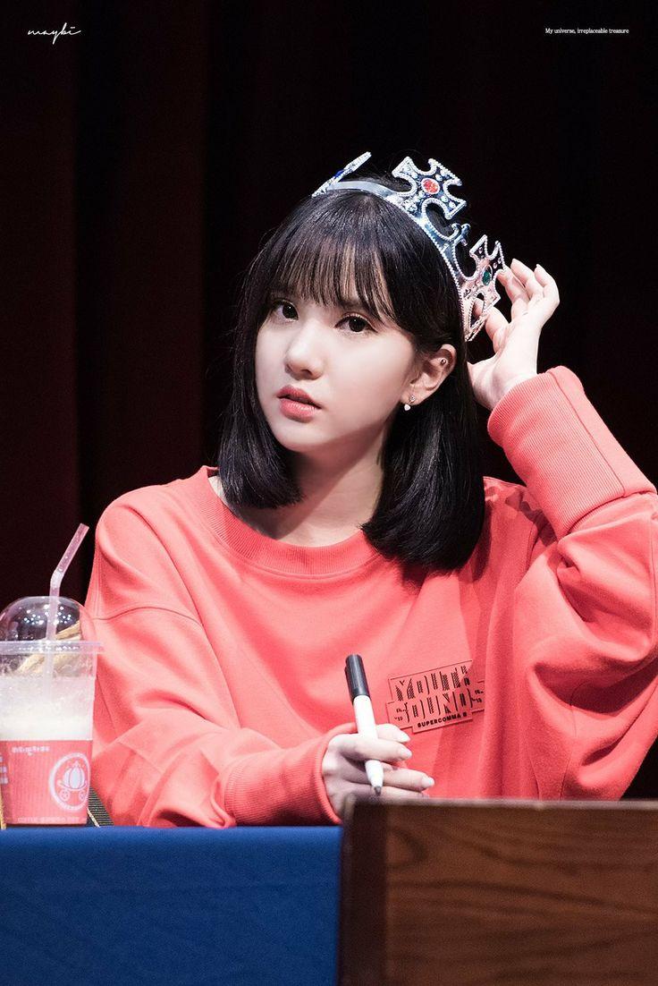 Gfriend at Music Bank Fansign Cr: twitter