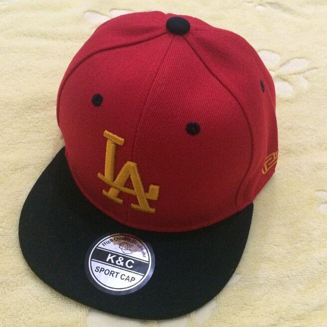 Бесплатная доставка мальчик бейсболка хип-хоп дети hat бейсболки snapback шляпы л. а. ребенок летние шапки свободный стиль мода хип-хоп шапки cap