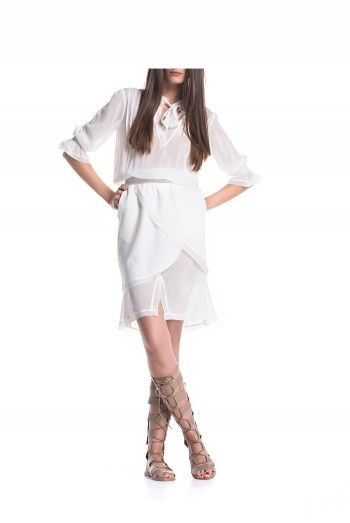 Cand simti ca vrei... eleganta, delicatete si rafinament  #tenuedesaf #silk