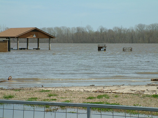 March 31, 2010 - Mississippi River Flooding at Cape Girardeau, Missouri by whitebuffalobk, via Flickr