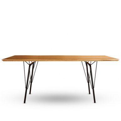 Das ist alles? Ja. Ein Bock, eine Platte und fertig ist das stylishe Design dieses zum Klassiker geborenen Esstischs El.