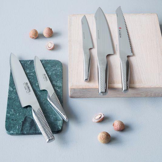 Har du prøvd den nye Global NI-serien? Priser: brødkniv 21 cm kr 1199, kokkekniv orientalsk 20 cm kr 1199, universalkniv 14 cm kr 899. I mai har vi også tilbud på vanlige Global kokkekniv 20 cm kr 1099 nå kr 799 :)