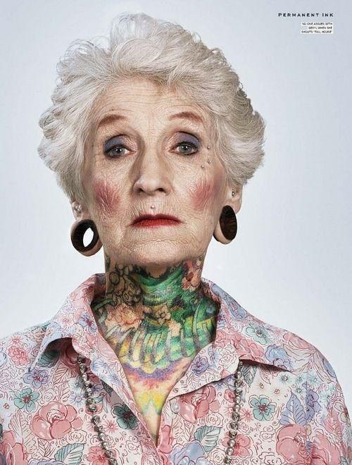 """¿Y este cuello?   24 Ancianos con tatuajes responden a la pregunta: """"¿Cómo te verás dentro de 40 años?"""""""
