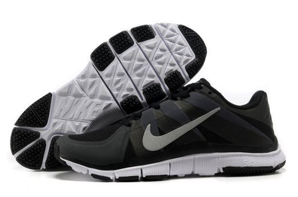 Nike Free Run 2013 Nuevo Nike Free Trainer 5.0 Zapatillas de entrenamiento para Hombre Negras/Blancas http://www.esnikerun.com/