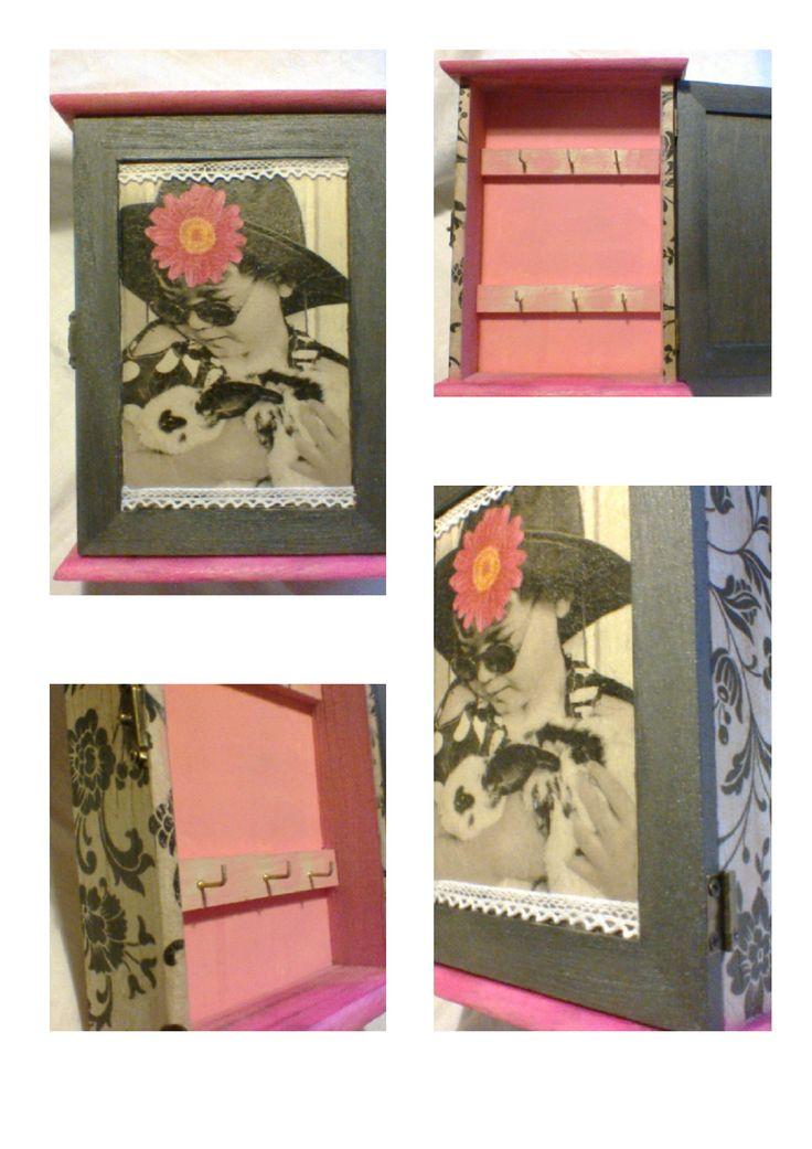 Vintage szekrényke 21 x 16 x 5,5 cm 4,950 Ft
