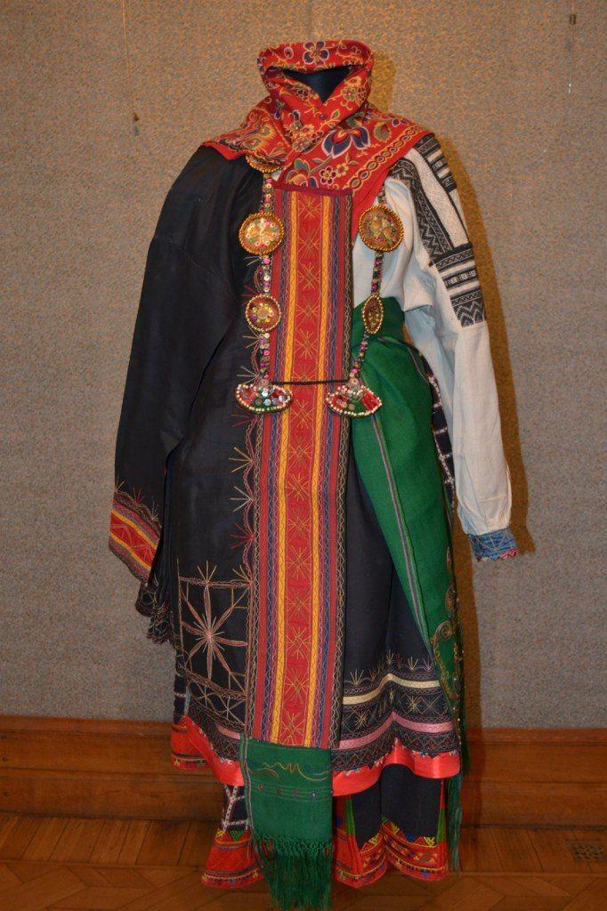 Женский праздничный костюм села Веретенниково, Красненского района, Белгородской области (Бирючинский уезд)