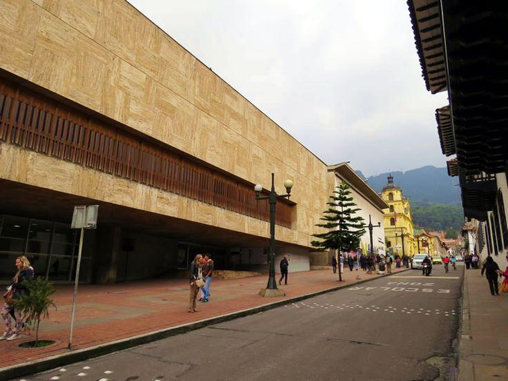 24. Biblioteca Luis Ángel Arango en la Calle 11 con Carrera 5ta: http://www.tuhotelbogota.co/category/plaza-de-bolivar/