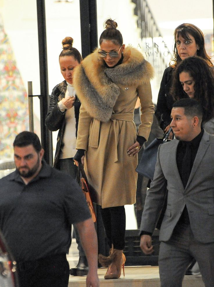 Jennifer Lopez's Holiday Shopping Uniform Gets a Glamorous Winter Makeover
