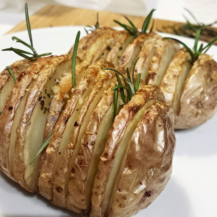 Patate Hasselback - patate, potatoes, hasselback, rosmarino, rosemary, oven, forno...