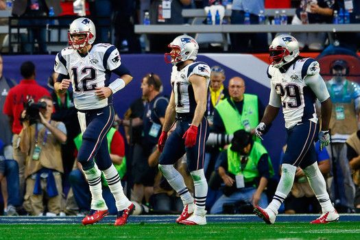 Super Bowl 2015 current score: Super Bowl XLIX score updates, celeb commentary and more (Live Updates - Feb. 1)