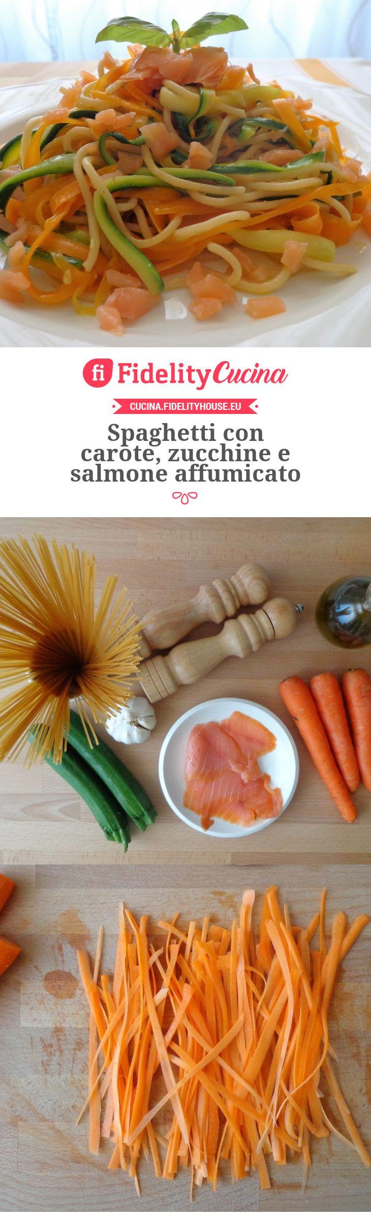 Spaghetti con carote, zucchine e salmone affumicato