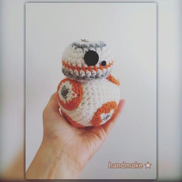 Маленький BB8 улетел в солнечный Лос- Анджелес ♡  BB8 action figure #handmake #handmade #crochet  #instacrochet #droid #starwars #bb8 #episode7 #lucasarts #etsyfinds #etsy #r2d2 #starwarsfan #starwarsday  #actionfigure #gift #theforceawakens #коллекционнаяфигурка #дроид #звездныевойны #подарок #пробуждениесилы #эпизод7 #подарок