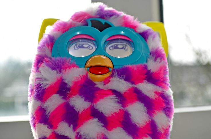 how to change batteries on a furby boom