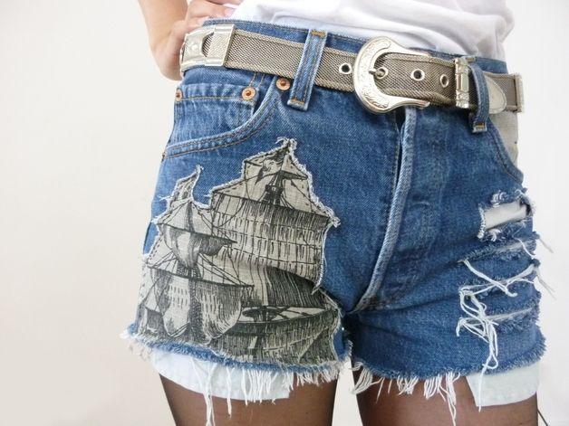 VAMPIRE VINTAGE DENIM REWORKED Jeans Shorts