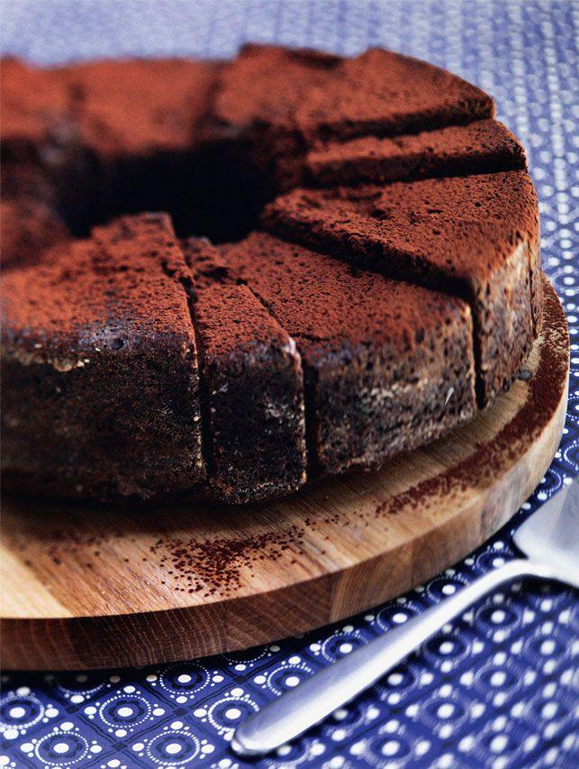 Lejrskole, klassens time, hyttetur – der er altid brug for en god kage til klassen! Vi giver dig verdens bedste chokoladekage, drømmekage, æblekage og kanelgifler her på siden.