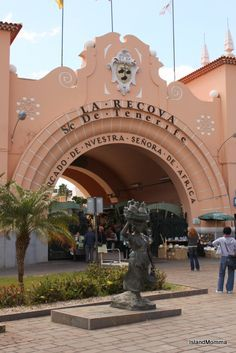 Local market: Mercado de Nuestra Senora de Africa in Santa Cruz de Tenerife is a great place to get your shopping