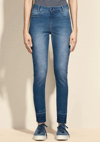 1df788afe Calça Jeans Feminina Na Modelagem Skinny