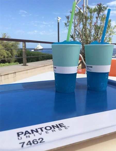 Pantone Colours Cafe