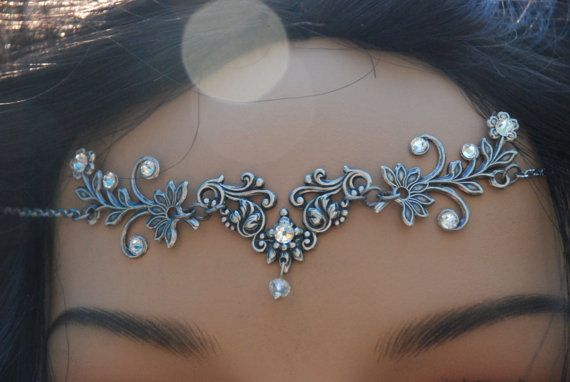 A headchain, or a headjewel as I prefer it, is a beautiful and very special way to complete not only your look, but also your self. It makes you feel