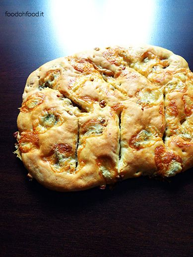 Fougasse - focaccia with blue cheese and walnuts. This tasty focaccia with cheese and walnuts has its origins in France.