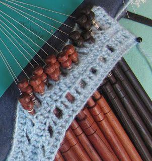 Crochet bobbin holder - Sujeta-bolillos tejido a ganchillo