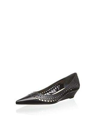 50% OFF Butter Women's Design Perforated Pointy Wedge (Black)