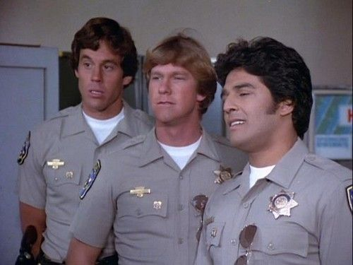 """This show couldn't have gotten any better - THREE HOTTEST GUYS IN """"CHiPs"""" TOGETHER IN ONE SCREEN SHOT!!!"""