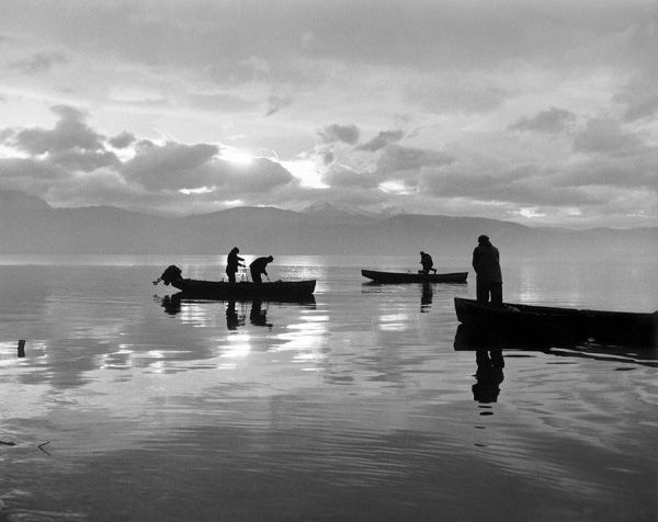 Costas Balafas, Early morning fishing, Ioannina 1962 © Benaki Museum Photographic Archive