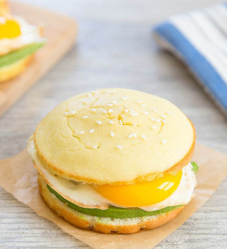 This low carb bread bun is a quick and easy bread solution for those looking for something low carb or gluten-free. There is no wheat flour and the bread is sturdy enough to use for sandwiches, burgers and more.