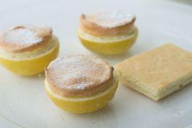 Gourmet Guide - à la carte: Recipe - Lemon souffle and lemon cake