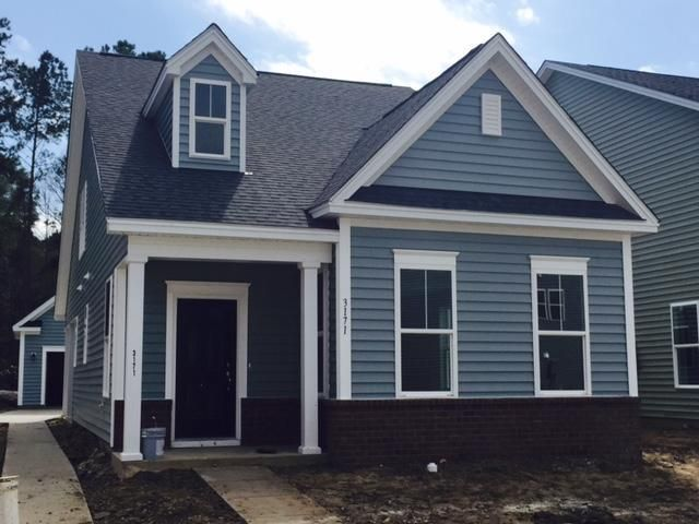 Boltons Landing - MLS# 16005598 http://ift.tt/1QPC5KC Last Update: Thu Mar 3rd 2016 12:00 am   Provided courtesy of Ashley Breeckner of Beazer Homes Welcome to the highly sought after community of Bolton's Landing! The DEWEES plan - Move-in ready this March and DISCOUNTED!!!! This adorable home features engineered hardwood flooring throughout the family room eat-in area and kitchen. You'll appreciate the granite countertops 42'' cabinets and stainless appliances in the kitchen to include a…