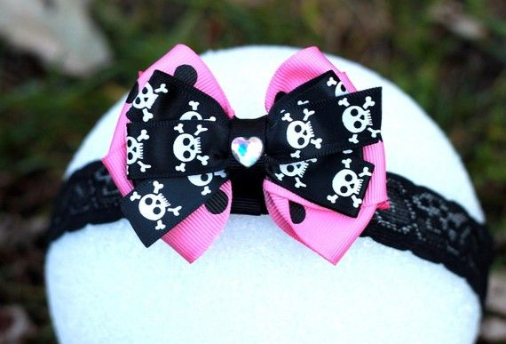 awwww.... I love this! Wish I had a baby girl to get this for