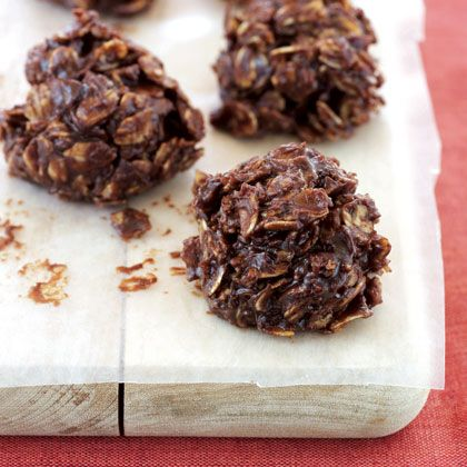 Dark chocolate is rich in heart-healthy antioxidants, oats are filled with fiber, and peanut butter gives you a delicious dose of protein. These healthy, 4-ingredient cookies are perfect for on-the-go snacks or for packing in a lunch bag. | Health.com