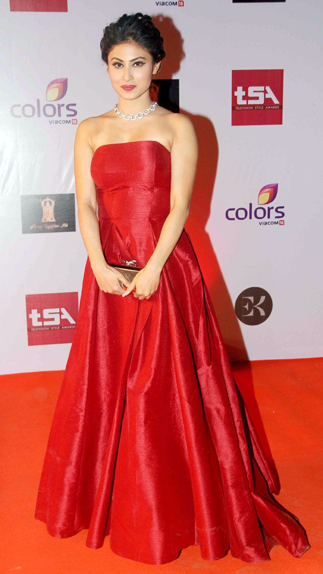 Mouni Roy at the Television Style Awards. #Bollywood #Fashion #Style #Beauty