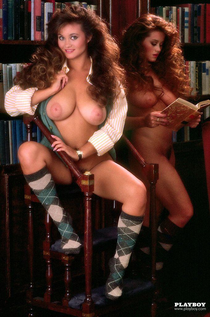 Fully naked tribal women
