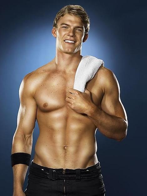 alan ritchson workout