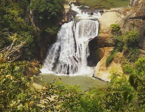 Mini Bridal Falls, Badulla, Sri Lanka  #srilanka #waterfalls