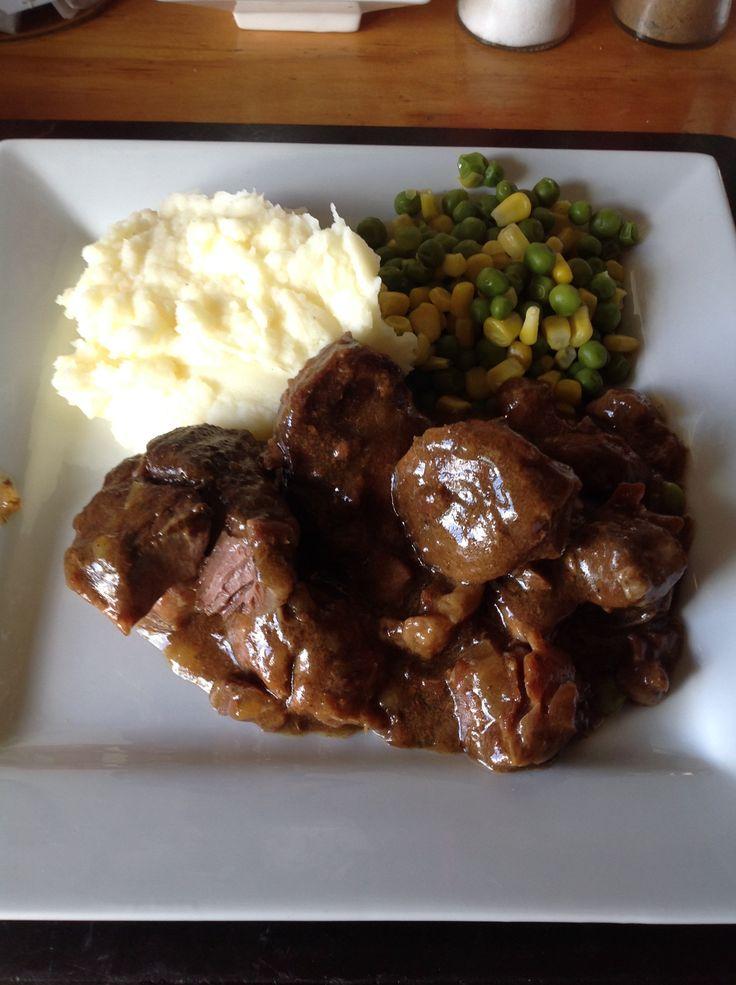 Braised steak & onion |