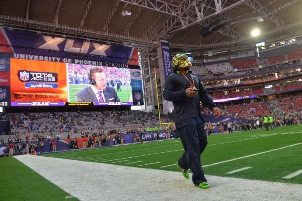 Seattle Seahawks coach Pete Carroll said Wednesday that retired running back Marshawn Lynch is considering a return to the NFL.