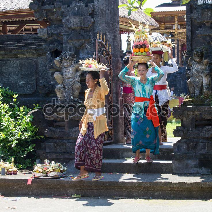 Travel I Bali I West Indonesia I Jakarta I Rice I Rice Filed I Java I Food I Culture I Backpacking I Coffee I Boat I Island I Lake I