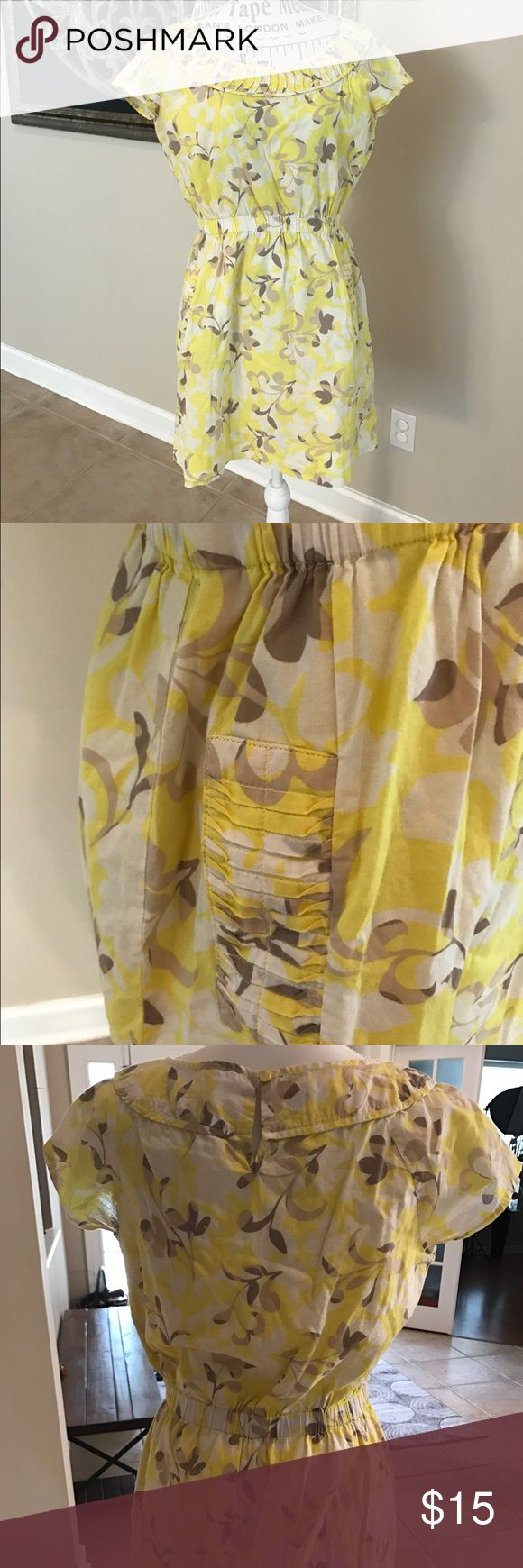 Yellow and Cream Summer Dress Cotton lined dress with nice details around neck and pockets. Has elastic waistband. Old Navy Dresses Mini