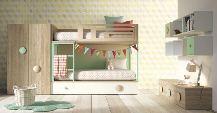 Litera Vagón de la marca Lagrama con una cama nido inferior de arrastre. Tres camas en un mismo espacio, una opción funcional y muy práctica. http://yupih.com/literas/224-amberes.html