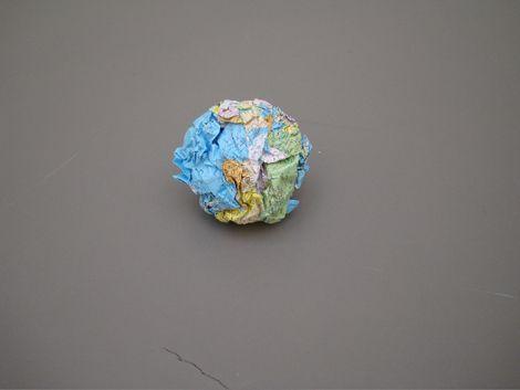 LATIFA ECHAKHCH / Globus (b)