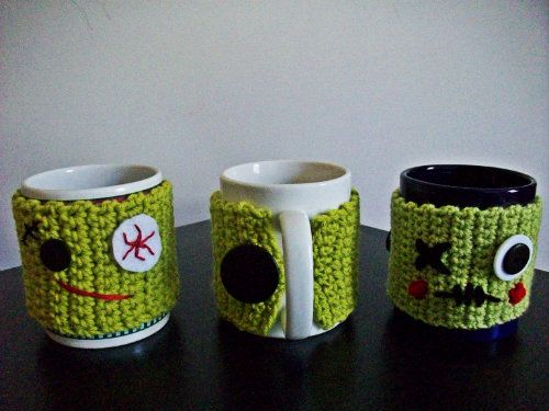 Using the undead to keep your coffee warm: zombie mug cozy