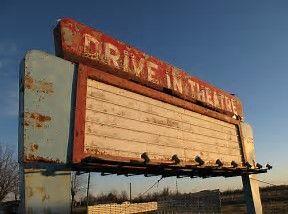 Afbeeldingsresultaten voor abandoned drive in theaters