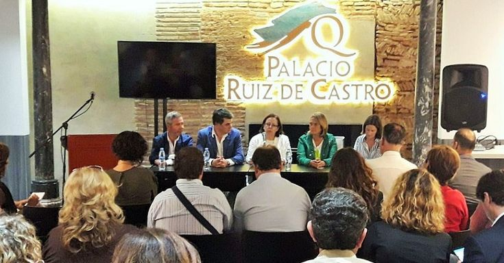 MOTRIL.Mª Jesús Moro portavoz de Justicia del grupo popular en el Congreso de los Diputados, fue la encargada de impartir dos conferencias en Motril sobre el estado actual de la